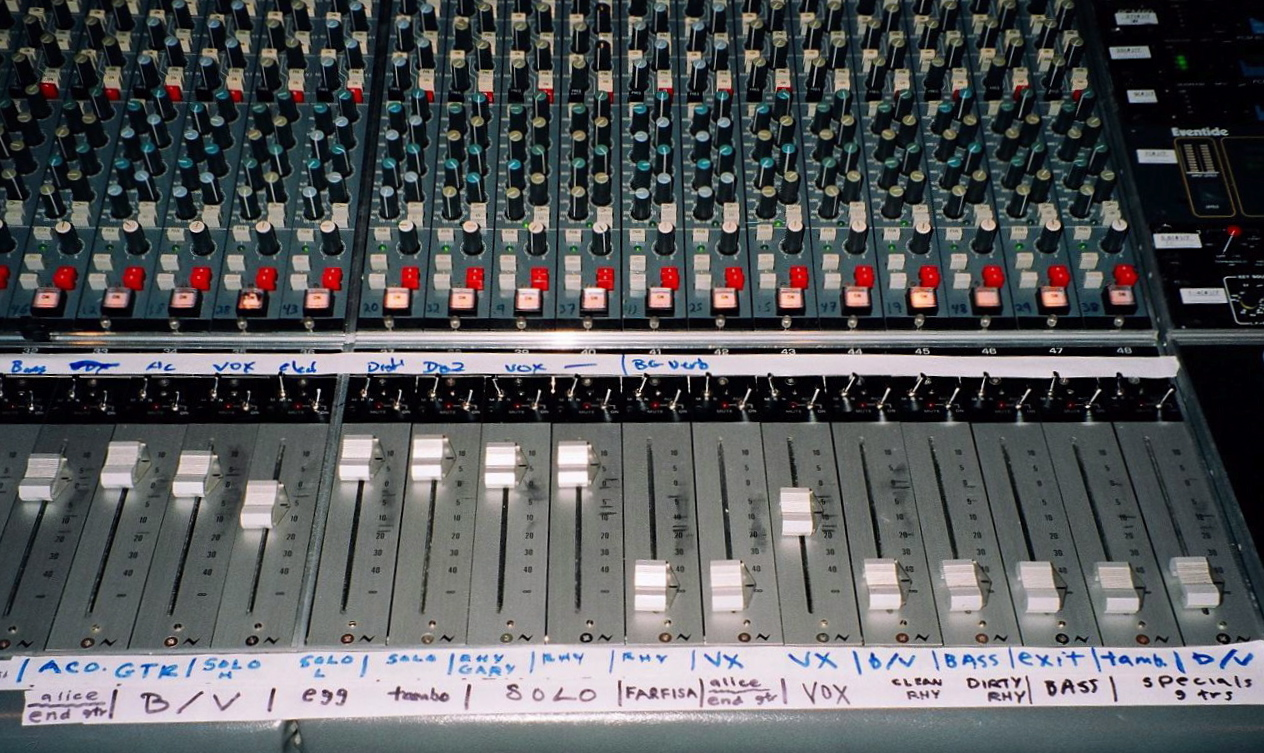 Neve Console @ Kissy Pig