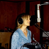 Alice Austin: Backing Vocals